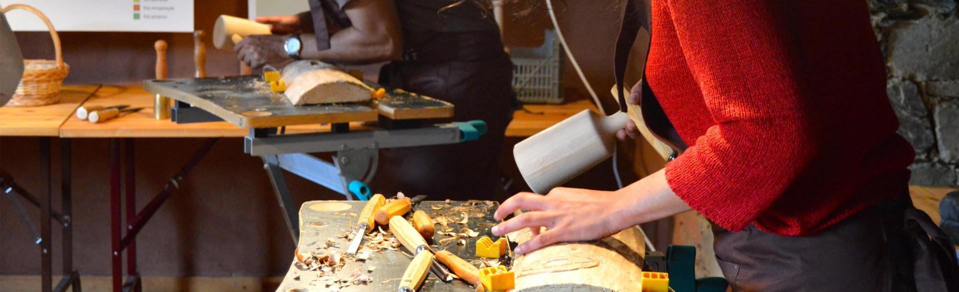 Workshop on carving sweet chestnut wood