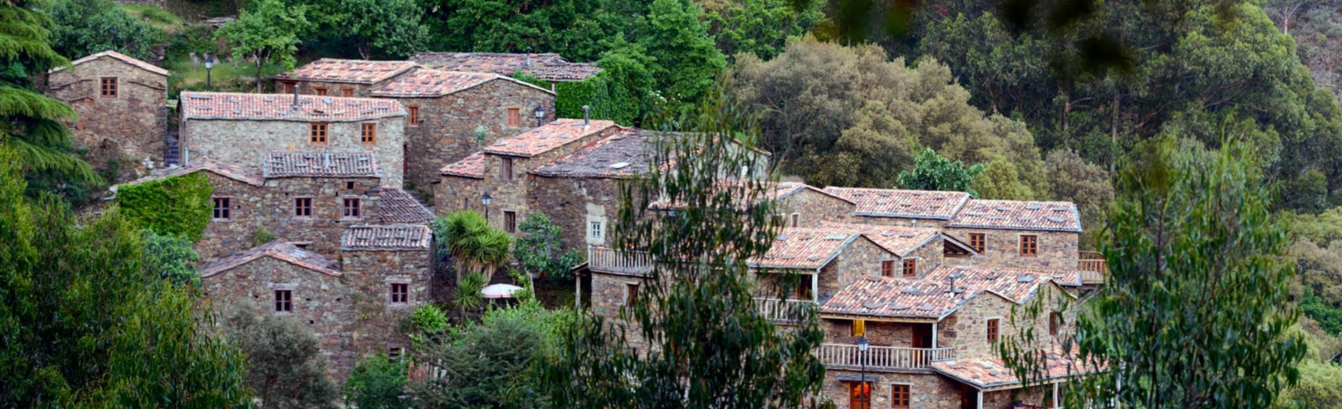 Casa da Árvore - Cerdeira - Home for Creativity