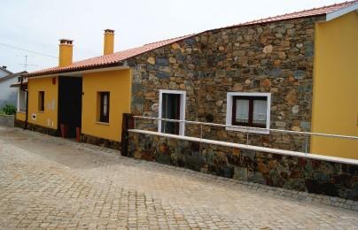 Casa Cova do Barro